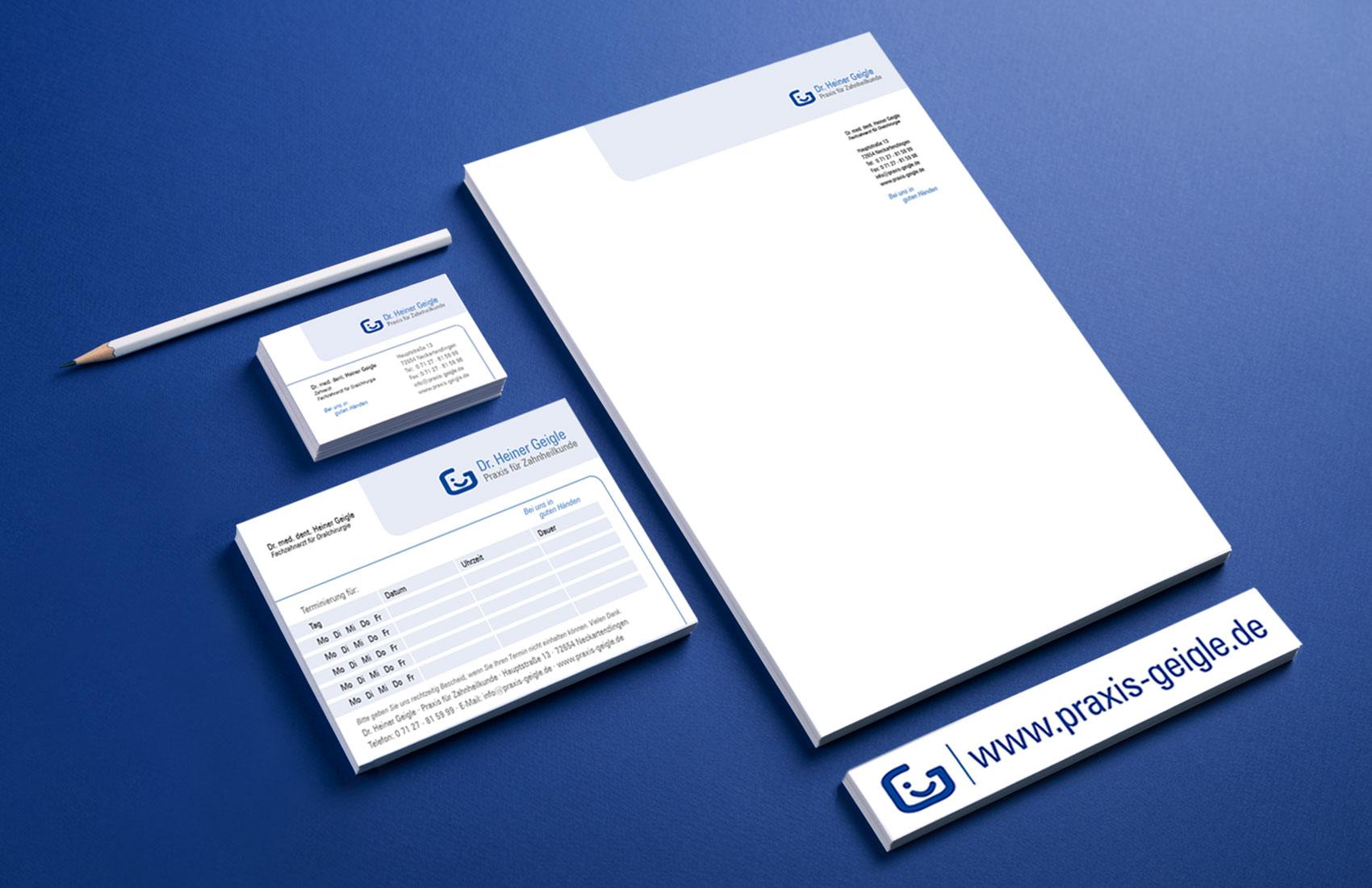 Corporate Design für die Zahnartzpraxis: Briefbogen, VIsitenkarte, Aufkleber, Terminblock